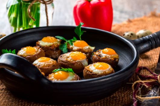 Air-Fried Mushrooms with Quail Eggs