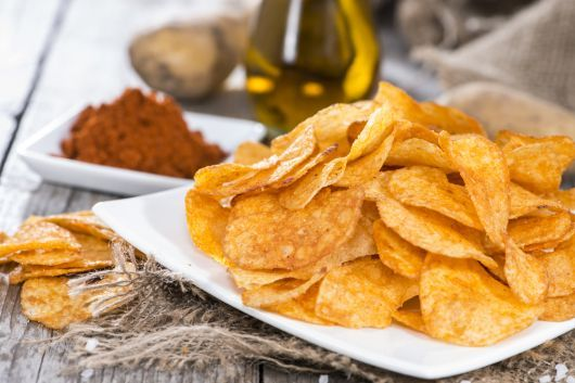Air-Fried Potato Chips with Paprika