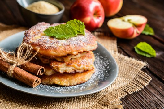 Dusted Apple Pancakes