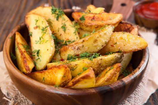Potato Wedges with Chili and Dill